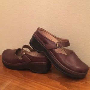 Chocolate Brown Leather Klogs